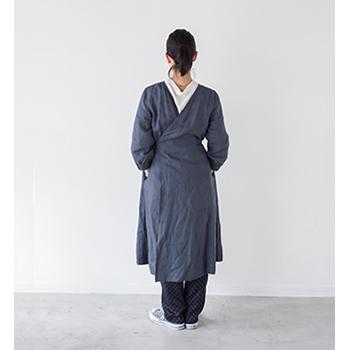 ワンピース、ローブ、作業着にも使えるリネンのかっぽう着「ホームドレス」(ブルーグレー)